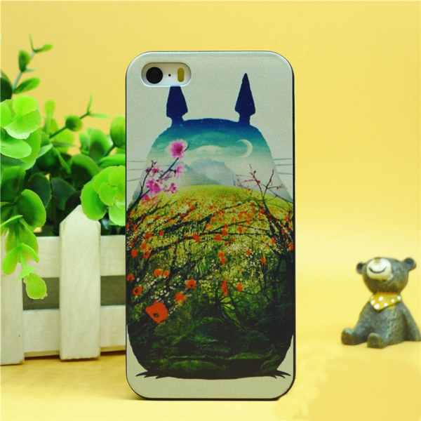 My Neighbour Totoro iPhone Case – Totoro Art – from World of Ghibli